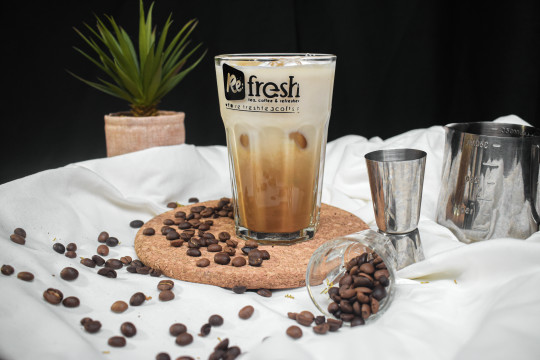 Refresher Food and Drink at Re-Fresh Cafe